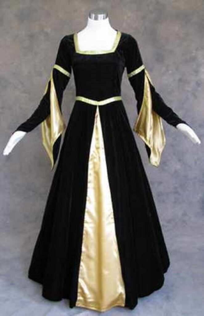 Royal renaissance queen costume for plus sizes