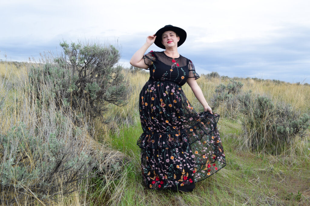 Black prairie dress in size 18 Plus size long prairie dress Plus Size ML Monique Lhuillier Look Book