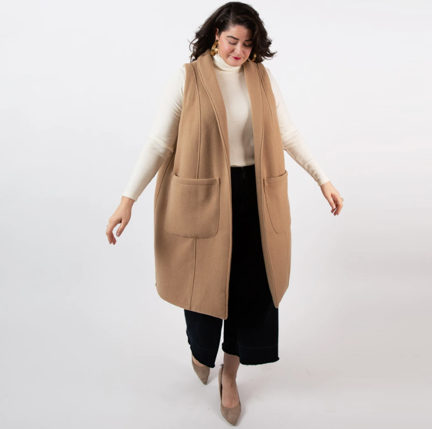 Plus size sustainable fashion in a 6X