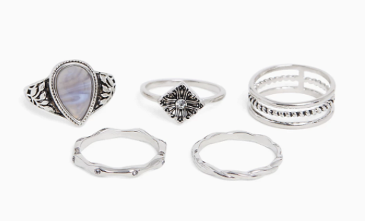 Stackable plus size rings from Torrid