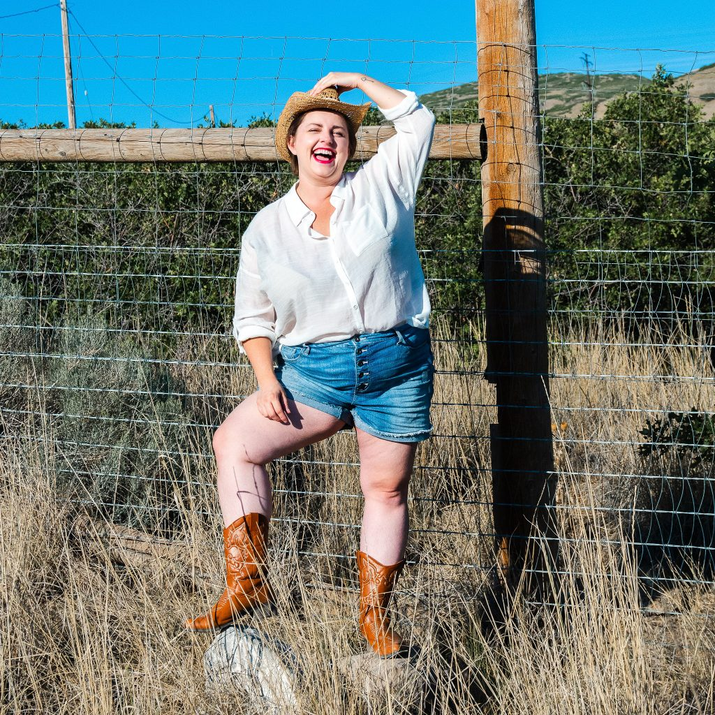 Cowgirl fashion - plus size photoshoot