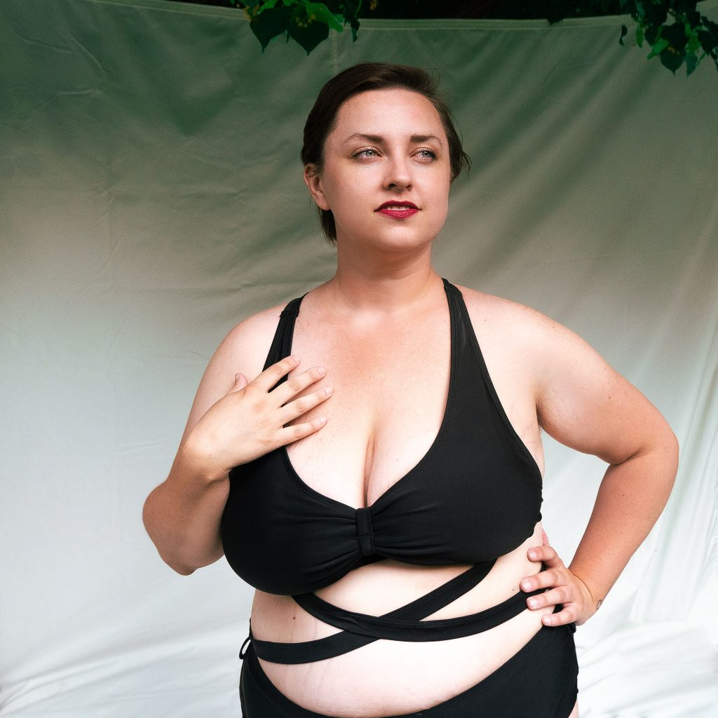Review of plus size swimsuits sizing plus size fashion blog in Utah modeling