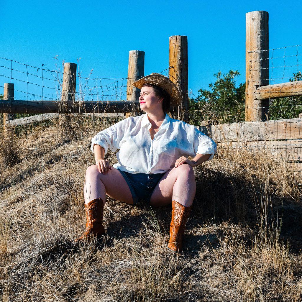 Cowgirl fashion photoshoot editorial in utah model