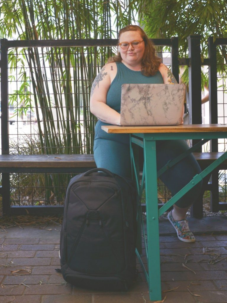 Review of plus size women's business professional laptop backpack