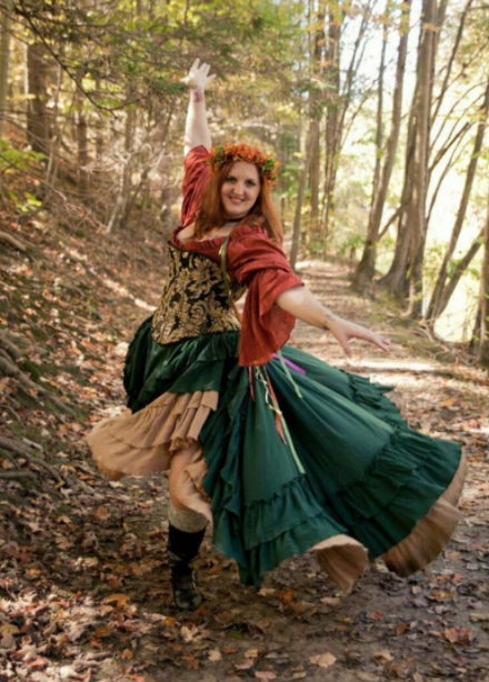Guide on where to get Plus Size Renaissance & Period Costumes